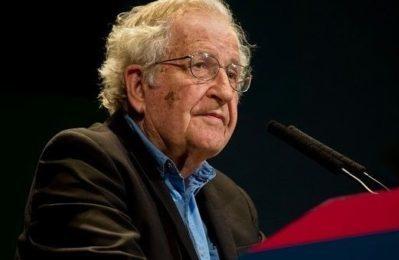 Chomsky: Perché oggi il rischio di estinzione umana è più forte che mai