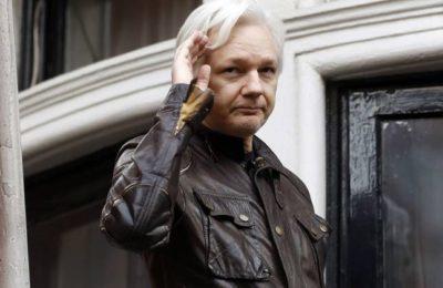 """""""La persecuzione di Assange ed i giornalisti comprati"""""""