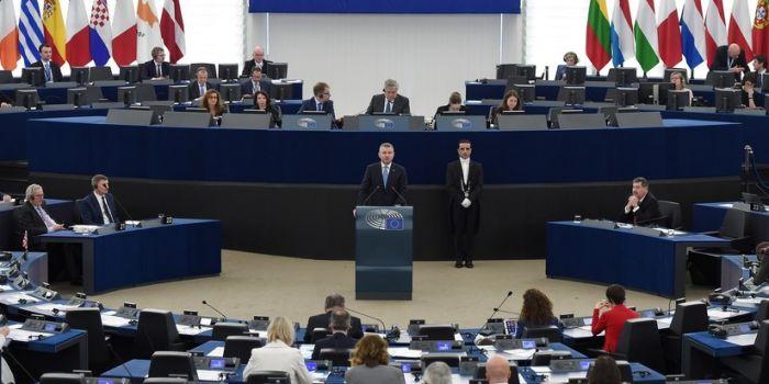 Il Parlamento europeo approva una risoluzione senza precedenti contro la Russia