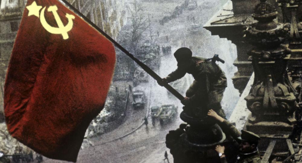 """""""Comunismo e nazismo non sono la stessa cosa: basta con la propaganda"""""""