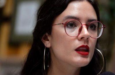 """Camila Vallejo: """"L'America Latina non ha imparato nulla dai colpi di stato"""""""
