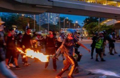 Hong Kong e i lupi. La risposta di Pino Cabras a Quartapelle