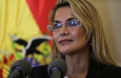 Sette giorni di Jeanine Áñez portano la Bolivia più di 10 anni indietro