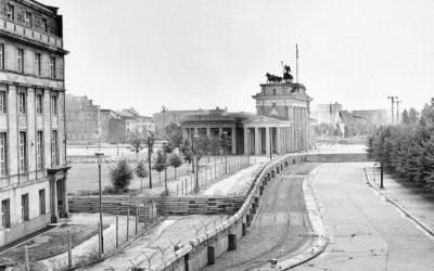 L'imperialismo di sinistra celebra l'anniversario della caduta del muro di Berlino