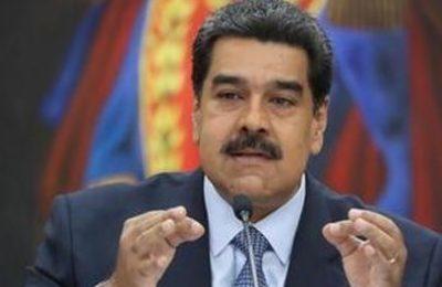 """Venezuela, Maduro: """"È l'ora del coraggio e della resistenza al fascismo"""""""