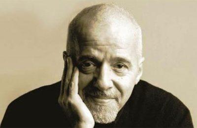 """Paulo Coelho: """"Bolivia nel mirino dei fucili di un'élite senza scrupoli e senza vergogna"""""""