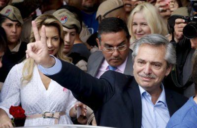 """""""Senza pane non c'è democrazia e libertà"""". Le principali frasi del discorso di Alberto Fernández"""