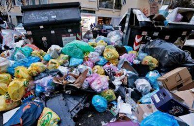A Roma diminuisce differenziata e porta a porta e aumentano i rifiuti prodotti