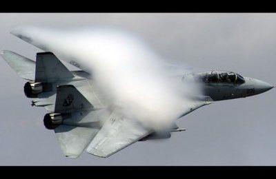 Caccia F-14 iraniani ai confini dopo aver giurato di vendicare l'omicidio del generale Soleimani