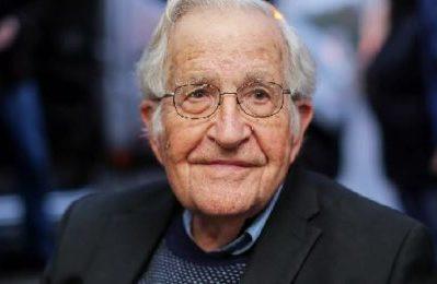 """Noam Chomsky: """"USA stato-canaglia e l'assassinio di Suleimani lo conferma"""""""