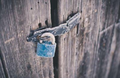 Formazione e consapevolezza, per evitare che si resti fuori dalla porta