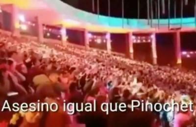 """""""Assassino come Pinochet"""", i video (censurati dalla tv cilena) della contestazioni a Piñera"""