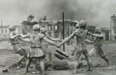 La battaglia di Stalingrado per spiegare che comunismo e nazismo non sono equiparabili