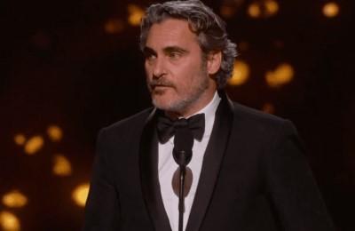 Il Premio Oscar Joaquin Phoenix pronuncia un appassionato discorso a difesa degli animalii