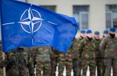 """""""Ma se chiediamo aiuto a Cuba, alla Cina, alla Russia, cosa ci stiamo a fare nella NATO?"""""""