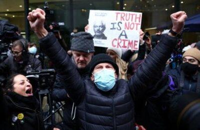 """Sentenza Assange. USA 'delusi': """"continueremo a chiedere la sua estradizione"""""""