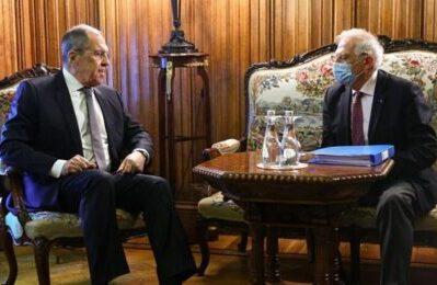 """""""Liberate Navalny"""", La risposta di Lavrov a Borrell è da scacco matto"""